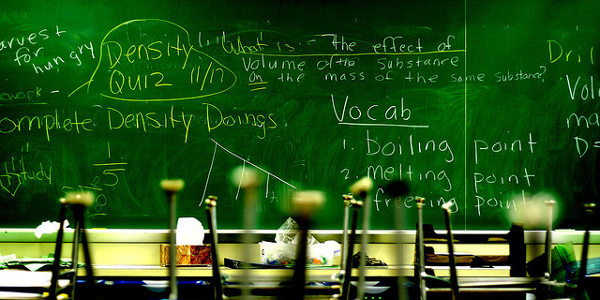 Vaut-il mieux apprendre une langue étrangère seul ou en cours ?